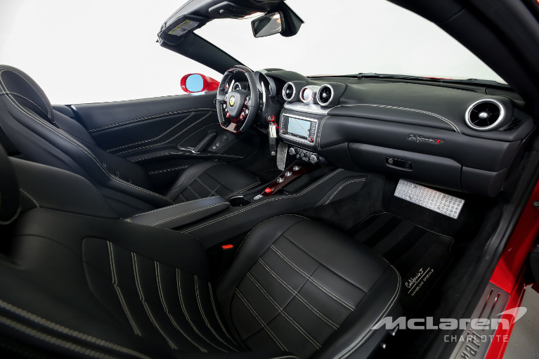 Used-2017-Ferrari-California-T-Base