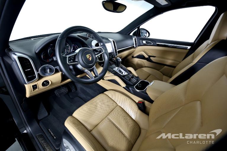 Used-2017-Porsche-Cayenne-Base
