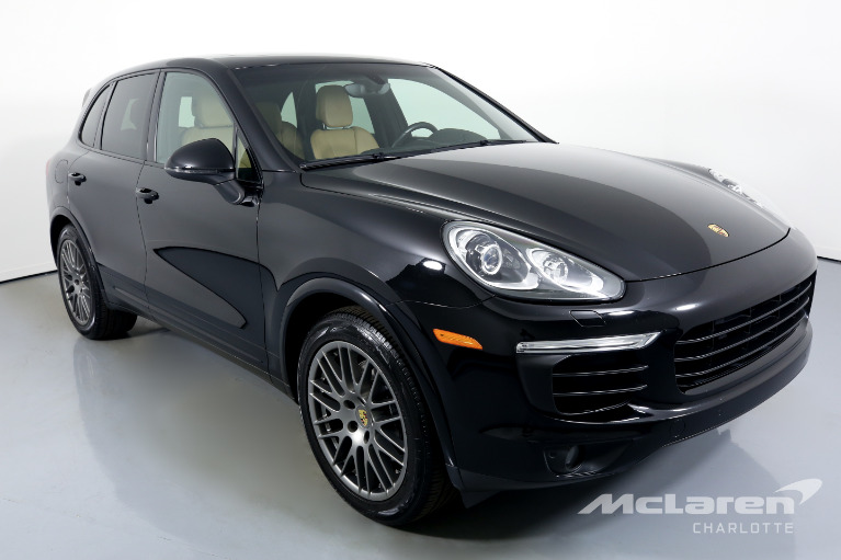 Used-2017-Porsche-Cayenne-Base