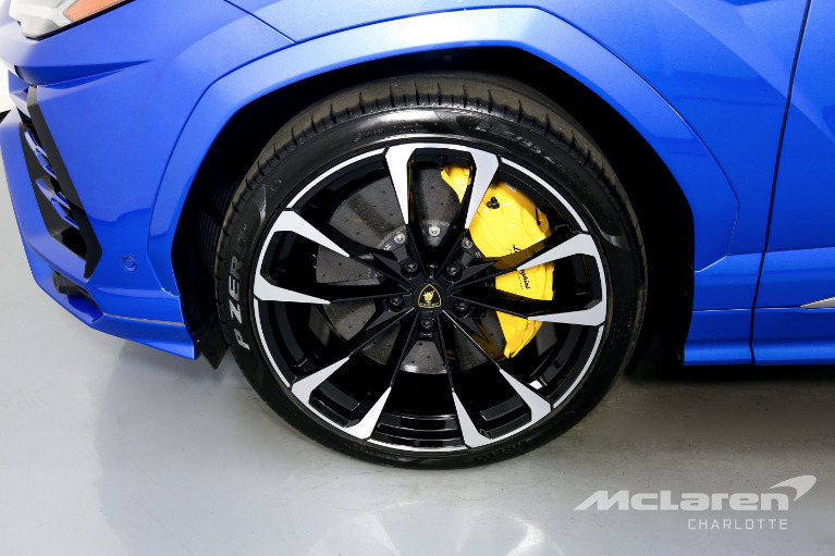 Used-2021-Lamborghini-Urus