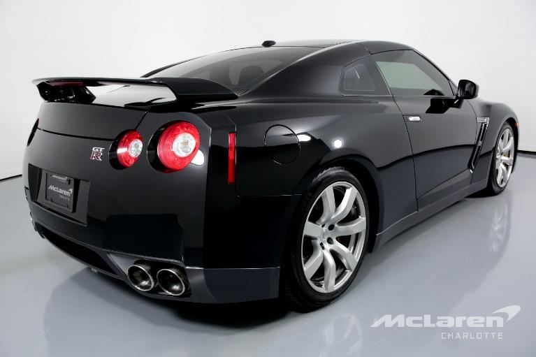 Used-2009-Nissan-GT-R-Premium