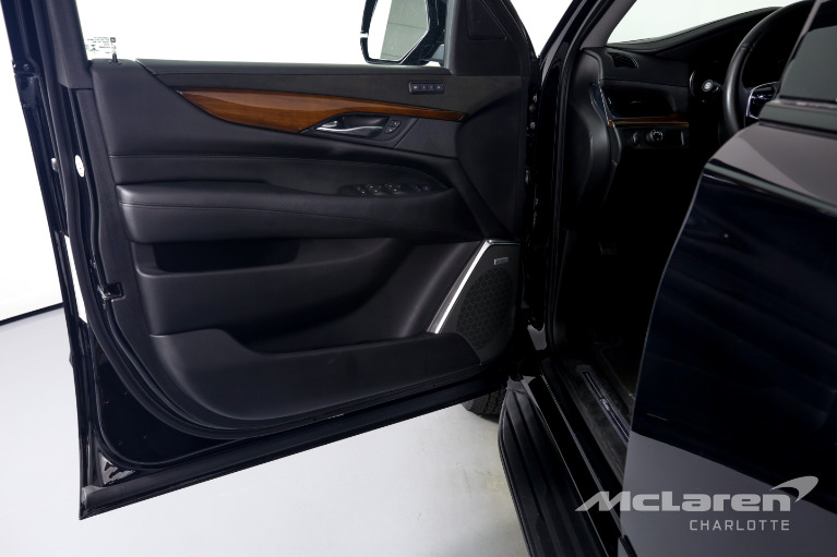 Used-2018-Cadillac-Escalade-ESV-Standard