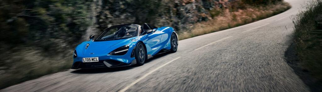 McLaren 765LT Spider Blue Dynamic